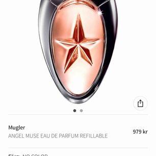 Säljer min älskling... den luktar otroligt gott men doften passar inte på mig tyvärr.. köptes för 979:- som ni ser på bild men mitt pris är 600