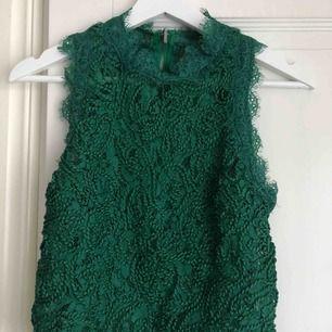 Ett super snyggt grönt spetts linne