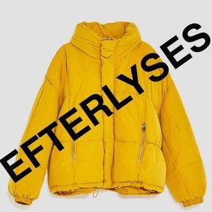 Letar efter denna dunjacka från Zara i storlek XS-M!