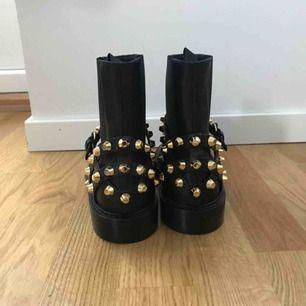 Balenciaga Ankle Boots Äkta såklart. Kvitto finns. Helt nya.