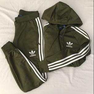 Tracksuit från Adidas. 300 kr/del eller båda för 500 kr. 100% äkta!