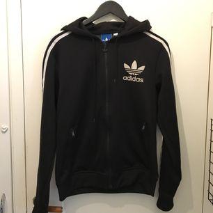 Adidas Originals Skick 10/10 Small 250 kr prutat och klart