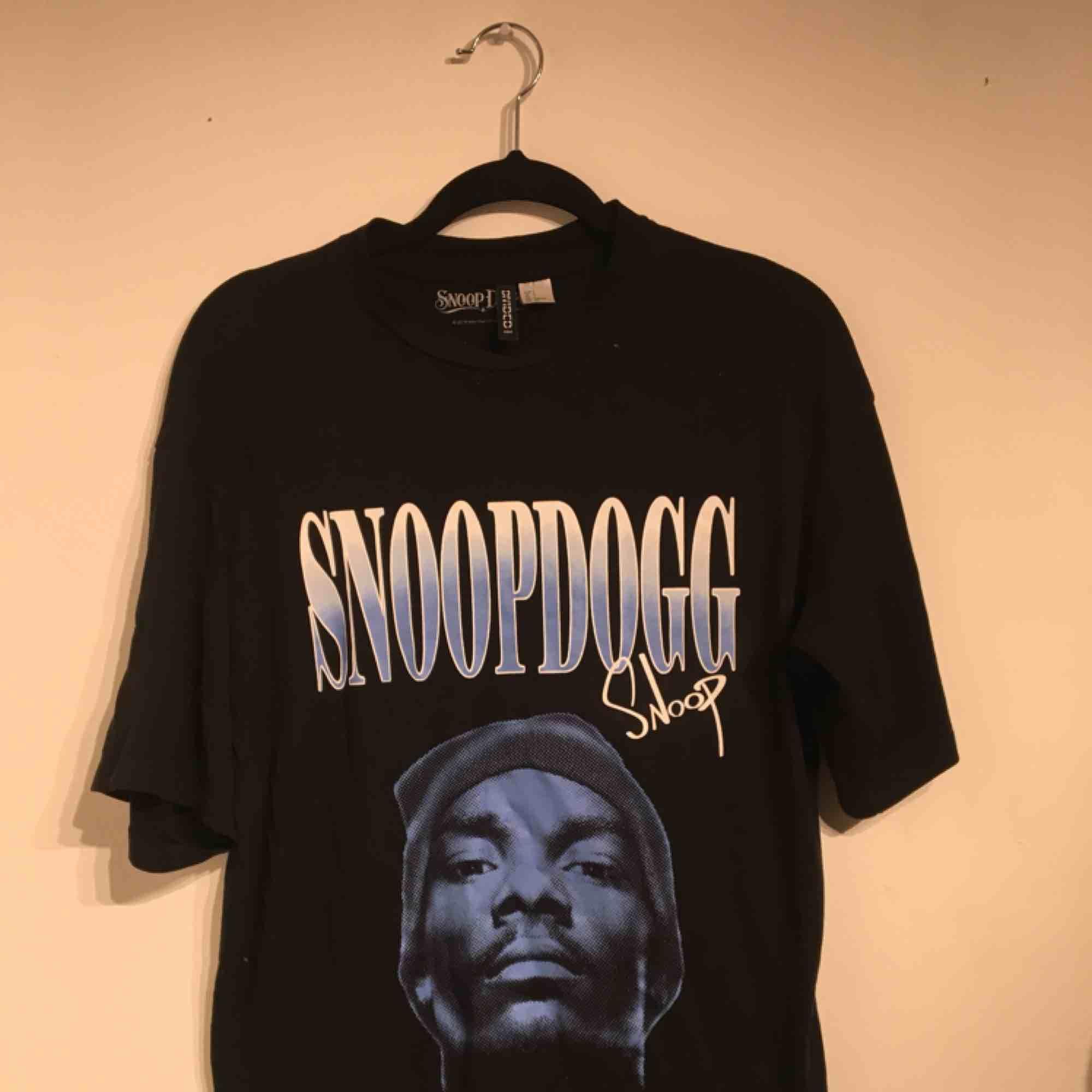 Snoop dogg tröja. T-shirts.