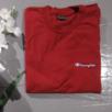 Vinröd Champion t-shirt i stl L, snygg att ha oversize om man har mindre storlek också. Färgen på bild 2 stämmer bäst överens. Frakt 39 kr.