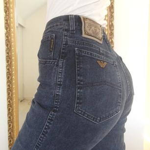 Vintage Armanijeans   Storlek S/XS typ... Men passar nog M också pga något stretchigt material  Köparen står för frakt!
