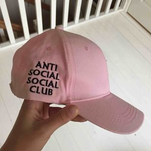 Snygg rosa ASSC keps (ej äkta).