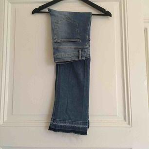 Kickflare jeans, mid waist
