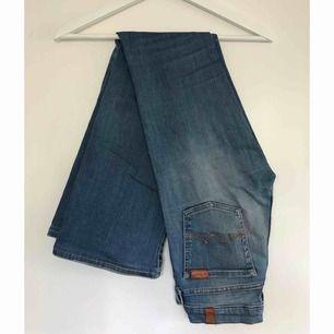 Svinsnygga bootcut jeans