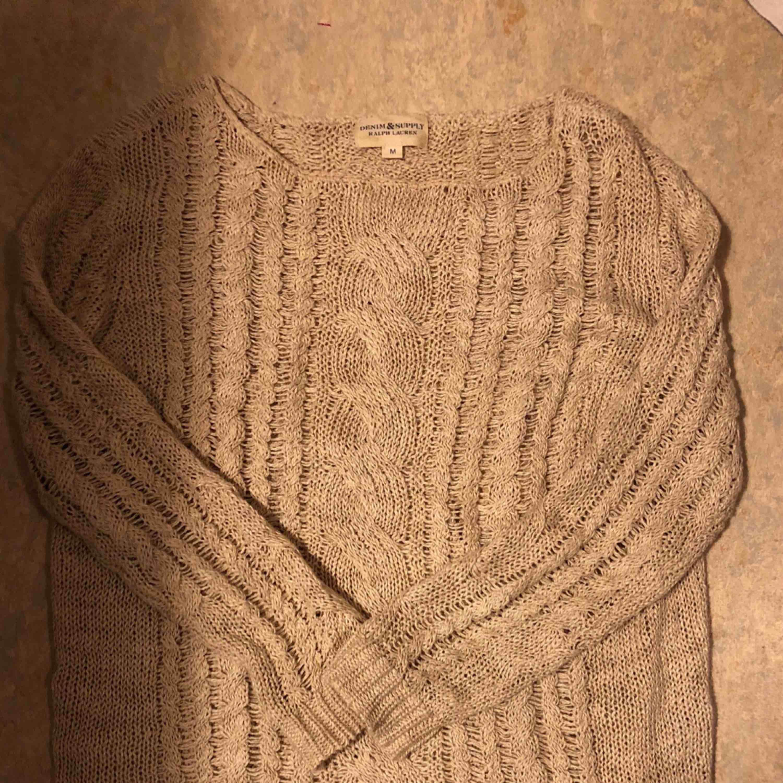 Denim and supply tröja, köpt på NK. Ord pris 1799  Köparen står för frakt annars går det att mötas i innerstad Gbg  . Stickat.