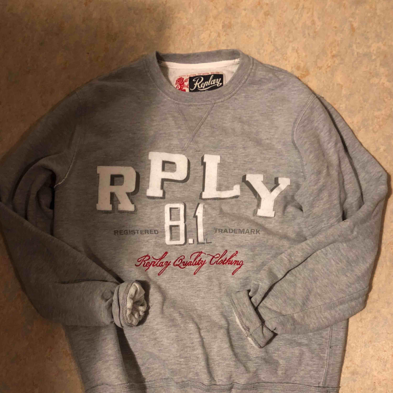 Replay tröja , köpt på nk. Tröjor & Koftor.