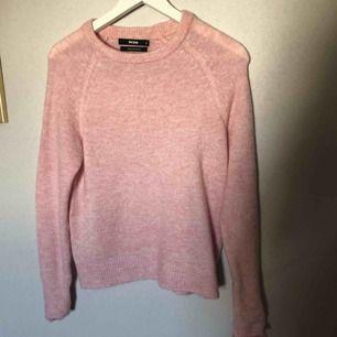 Varm och gosig tröja från BikBok🌸 helt ny och aldrig använd!