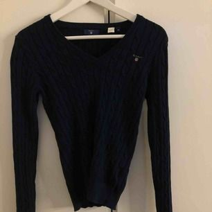 En kabellstickad Gant tröja, använd endast 1 gång.