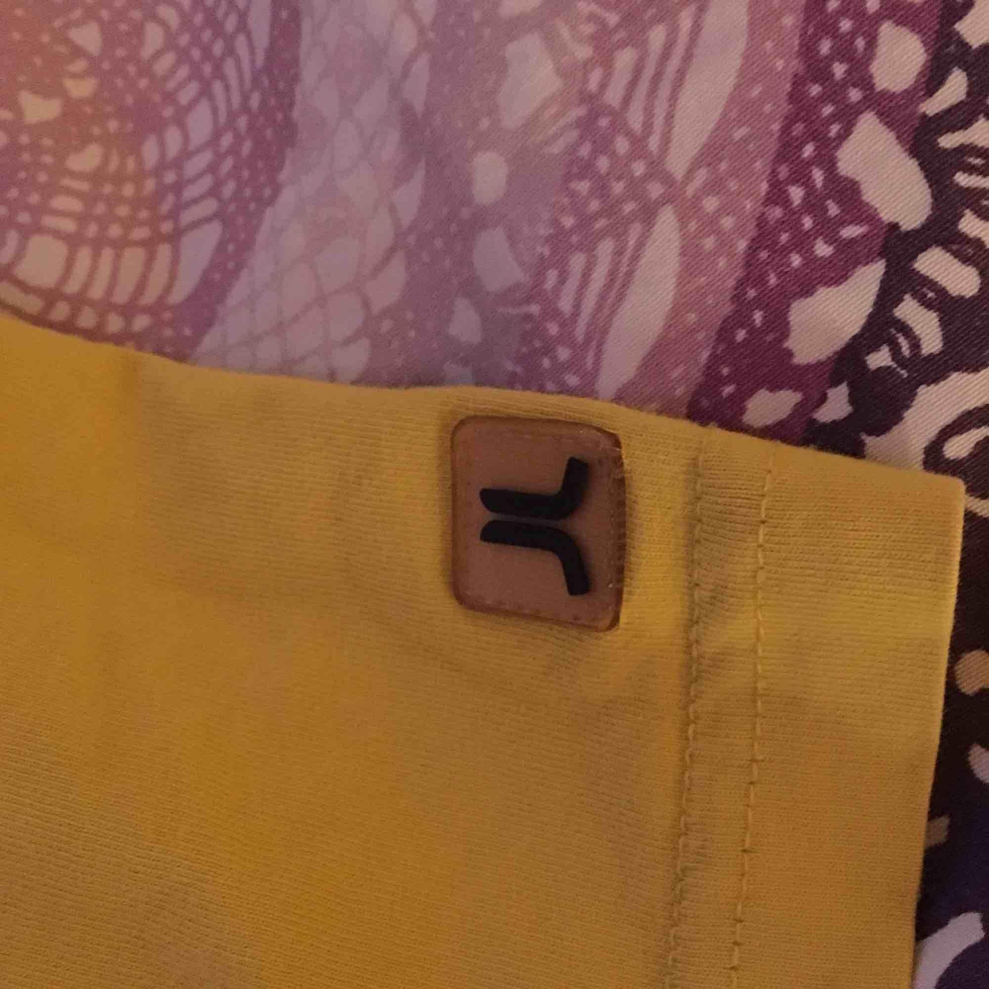 Säljer min fina J Lindberg x Wesc tröja då den inte kommer till användning ): Sjuktfin och cool tröja som söker ny cool ägare!  passar Xs-M beroende på hur du vill att den sitter!. T-shirts.