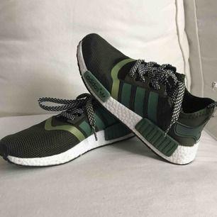 Helt nya adidas skor säljer pga ej användning.
