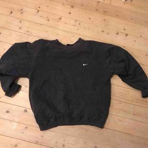 Blå/lila/grå Nike-tröja!