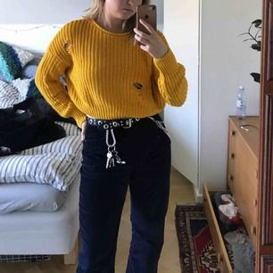 Superskön gul stickad tröja köpt på topshop!
