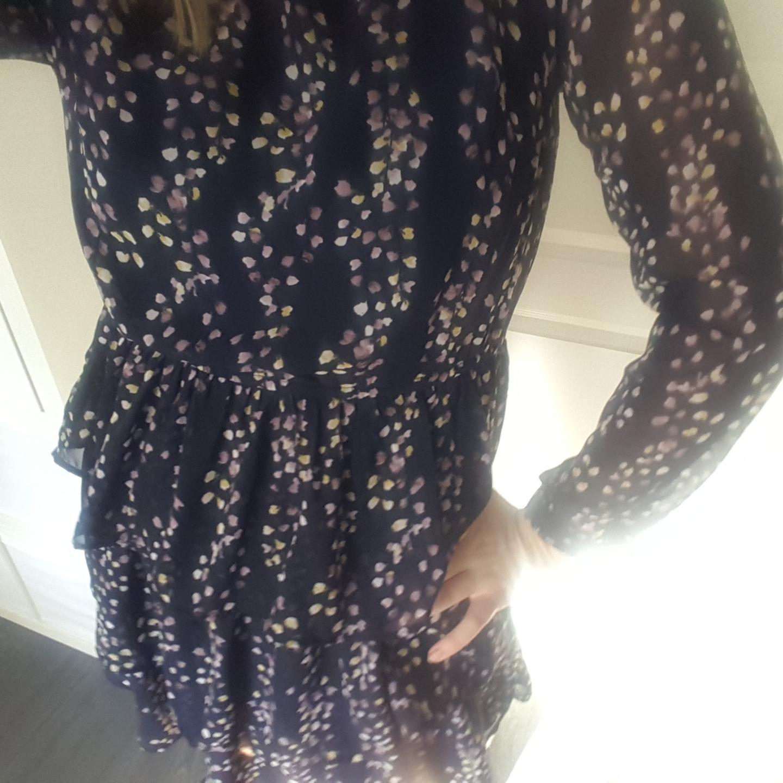 En helt oanvänd klänning ifrån Only. Frakt ingår. Klänningar.