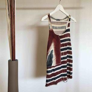 Mysigt linne från hunkydory i väldigt bra skick! Köparen står för frakt :)
