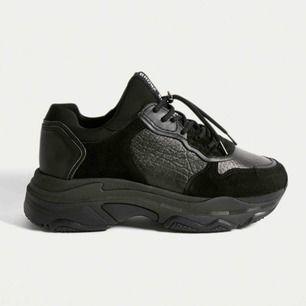 Säljer mina helt nya och oanvända Bronx Baisley sneakers i storlek 39 (UK 6), orginalpris 159 USD (ca. 1400 sek) Tar emot bud!  Säljes pga. fel storlek