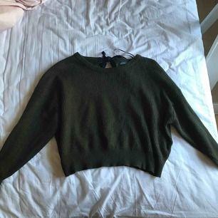 Grön tröja från Zara i storlek S. Passar även M. Använd ett fåtal gånger