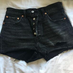 Levis shorts som är för små för mig, aldrig använda