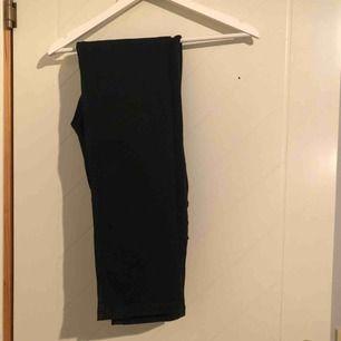 Svarta high waisted straight leg jeans från lager 157