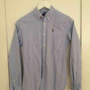 Slim fit Ralph Lauren skjorta, ljusblå, fint skick