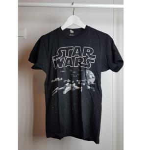 Star wars tshirt.