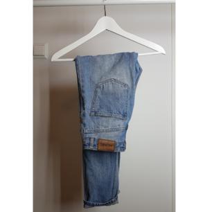 Super fina hög midjade boyfriends jeans från monki knappt använda!