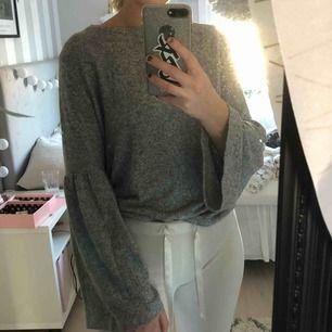 Super mysig och bekväm tröja från Zara! Sparsamt använd💓