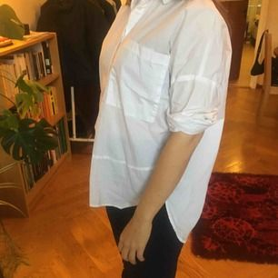 enkel vit skjorta med 3/4-ärm. krispig bomull i nyskick!