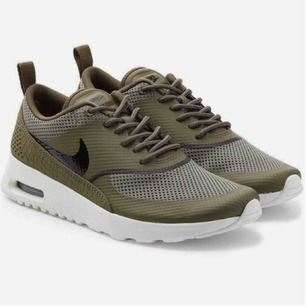 Nike Air Max Thea i använt skick, därav priset. Första bilden är lånad. +Frakt 80kr