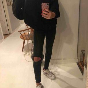 Tajta grå/svarta jeans!