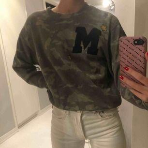 Militär mönstrad tröja!