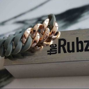 Super fin armband från RUBZ i toppen skick! Nypris 499:- kr