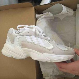 adidas Yung-1 cloud white, helt nya