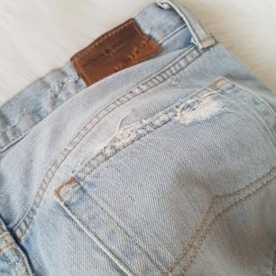Äkta Ralph Lauren jeans i storlek 29 Använd 1 gång. Original pris 1299 kr!