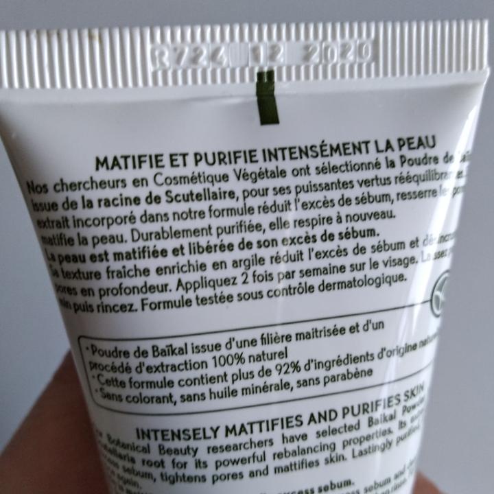Säljer ny och oanvänd ansiktsmask och ögonskugga från Yves Rocher. Masken passar perfekt till fet och blandhud, innehåller lera/kaolin. Tub 75 ml. Ögonskugga användes flera gånger. Kan också användas som rouge.. Övrigt.