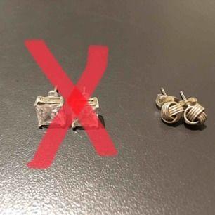 Silver örhängen (äkta) Pris 20kr/st  Hämtas i Bromma eller skickas. Köparen står då för frakt