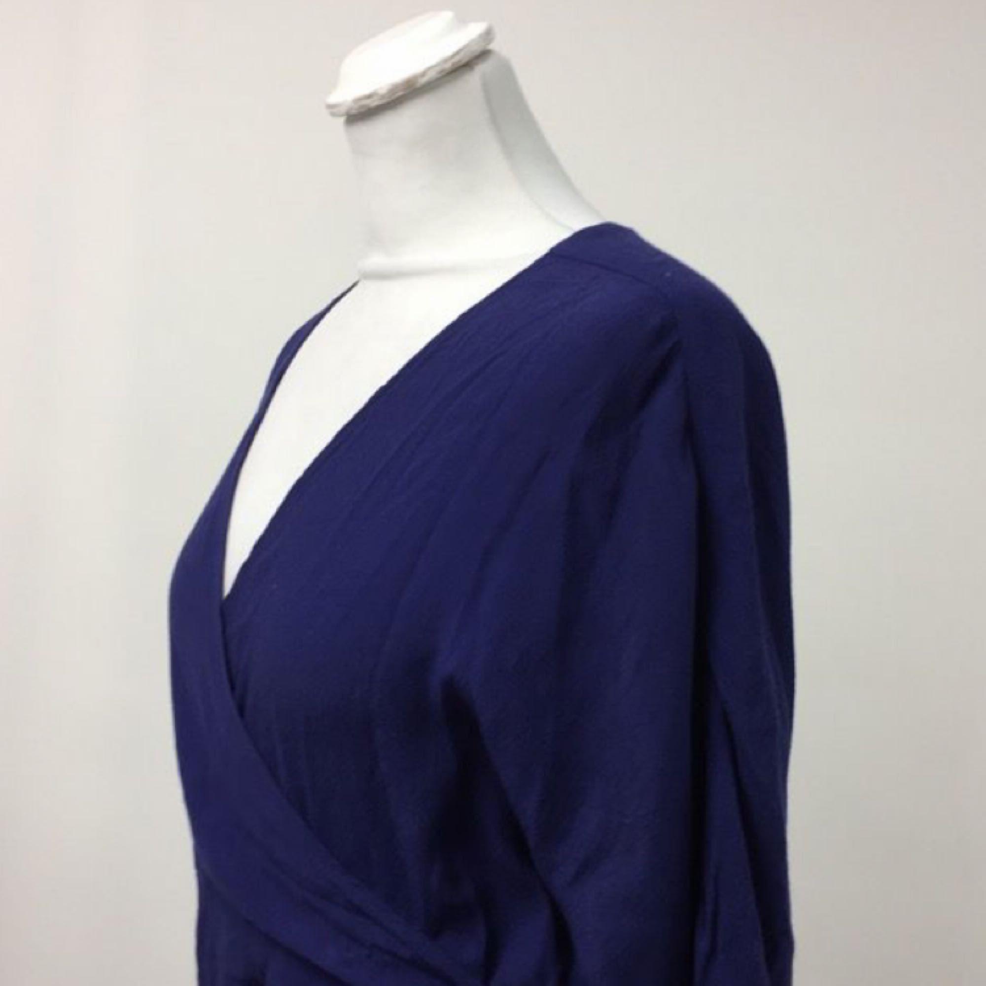 90d67c0bf8c2 Brukar använda den Mtwtfss weekday klänning i 100% cupro. Såååå fin kornblå  färg. Brukar använda den
