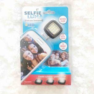 Selfie light som aldrig är använd! Tar swish kan även byta. 25kr + frakt!