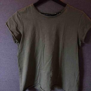 Militärgrön t-shirt från Lager 157, storlek S. Sparsamt använd 🍃