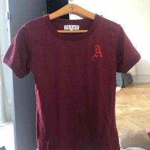 T-shirt från stay, aldrig använd. Kan skickas mot frakt eller mötas upp.