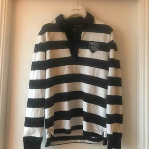 Långärmad tröja från Bondelid. Sparsamt använd i fint skick. Hämtas upp eller skickas.  Köparen betalar frakt.