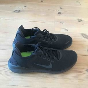 Helt nya Nike free runs, säljer pga fel storlek. Nypris 1095kr
