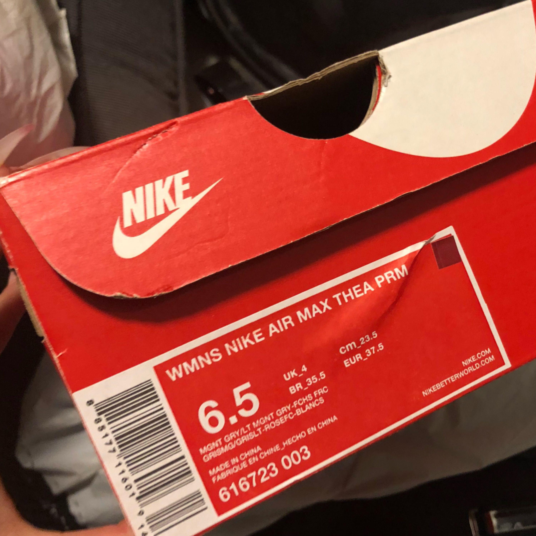 7f1c853f63f ... Skor från Nike i modellen Air Max Thea. Använda 2-3 ggr som nya