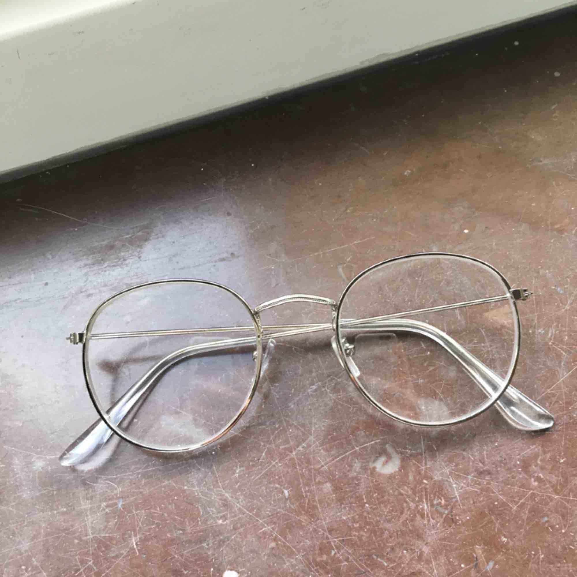 Vintage stil glasögon utan styrka ! En snygg detalj . Accessoarer. c2f53123740a1