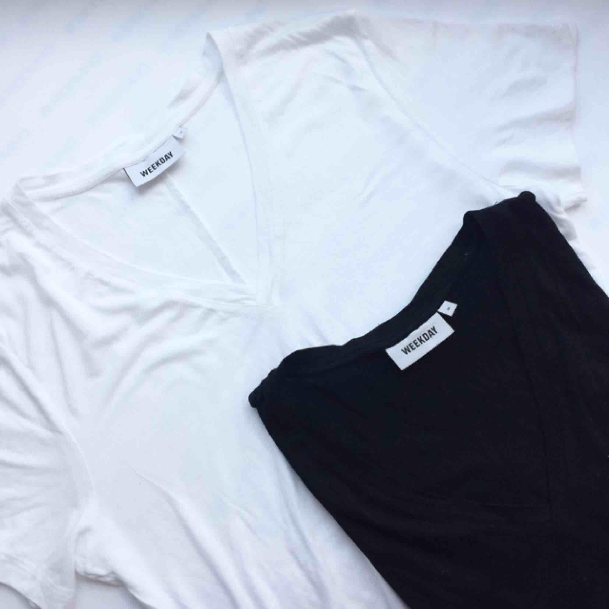 f87058ab235d Sparsamt använda T-shirts. En svart - Weekday T-shirts - Second Hand