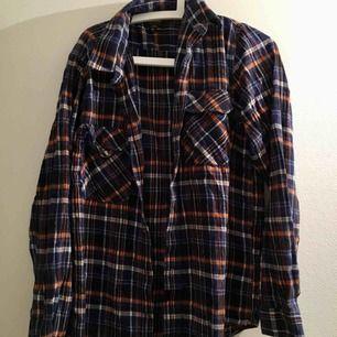 Flanellskjorta. Frakt kostar 58 kr 🧚♂️