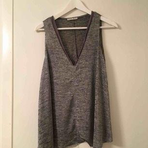 Topp från Zara Silver/grå färgad  Storlek S